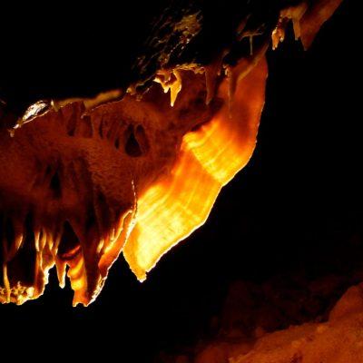 Aven grotte forestière draperie 2